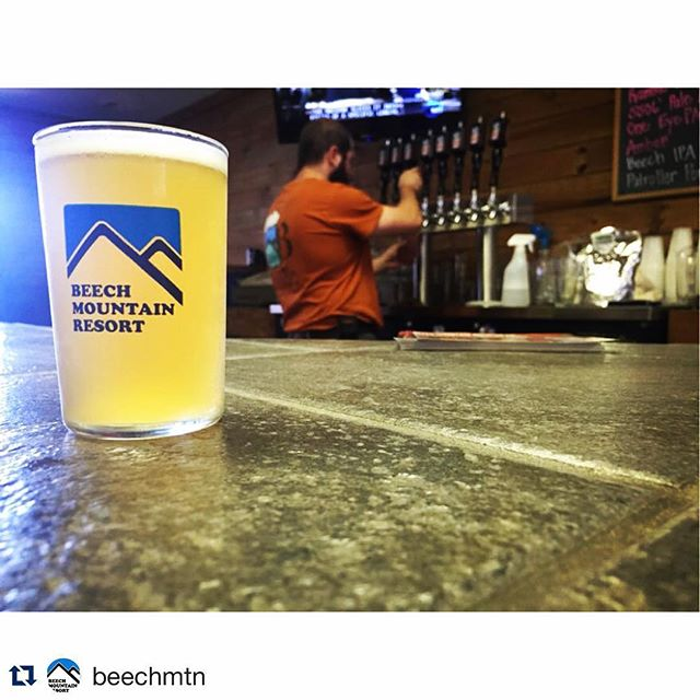 Wishing we were here!  Digging the new sampler glasses @scwilliams4 @beechmtn!  #dunstangroup #fiveoclocksomewhere #drinkware #customeverything #beechmountain#Repost @beechmtn with @repostapp.・・・$4 pints in the #brewery on Thursday! #Beechmtn
